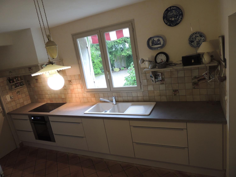 cuisine-blanche-menuiserie-chevallier-freres-orleans-2