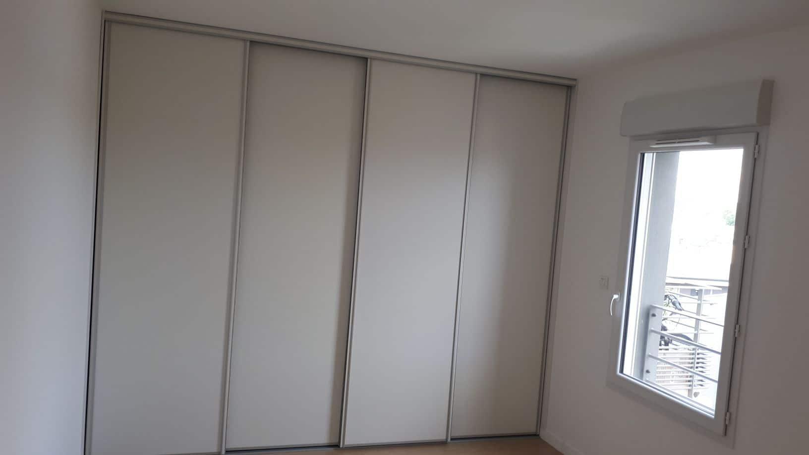 dressing-bois-blanc-menuiserie-chevallier-freres-orleans-2