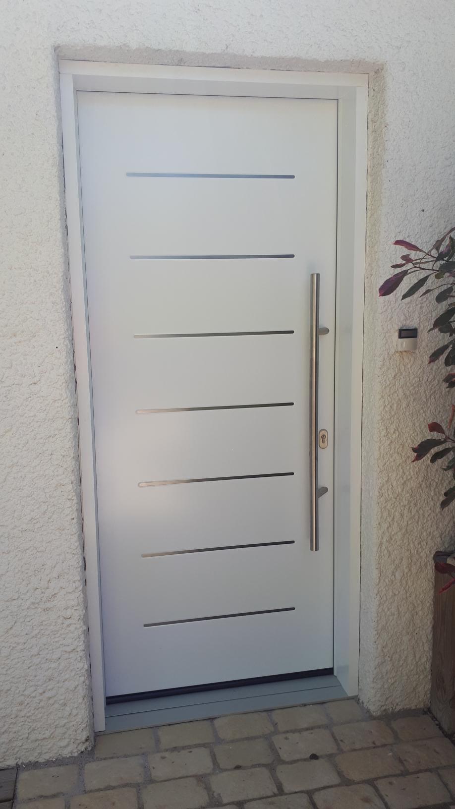 porte-blanche-menuiserie-chevallier-freres-orleans-2