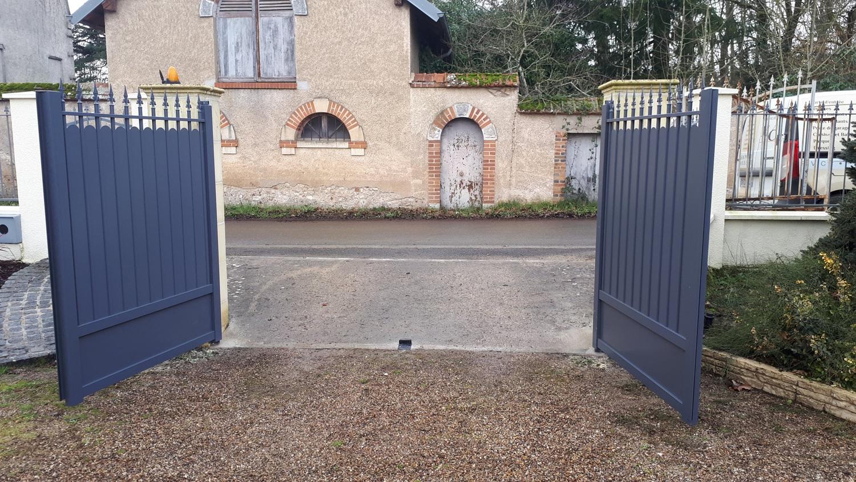 portail-battant-menuisier-orleans-1