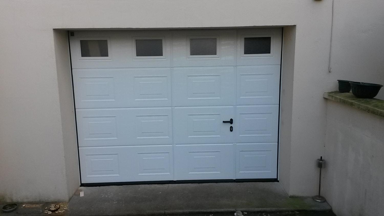 porte-garage-basculante-menuiserie-chevallier-freres-orleans-1