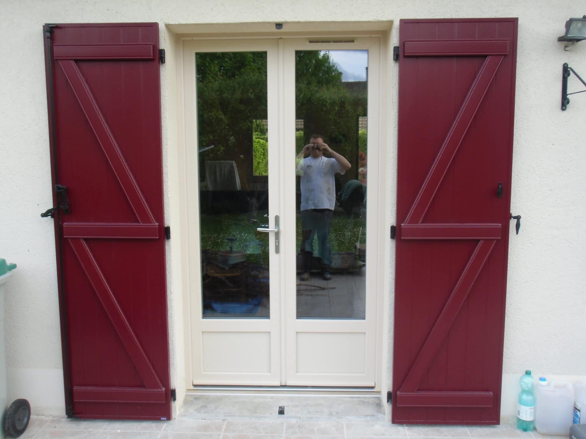 slide-volets-bois-rouge-orleans