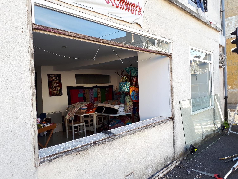 vitrine-commerce-menuiserie-chevallier-freres-orleans-1